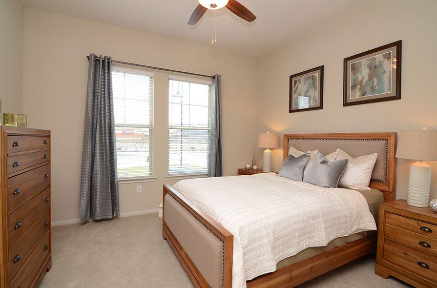 Northwest 600 Apartments Here